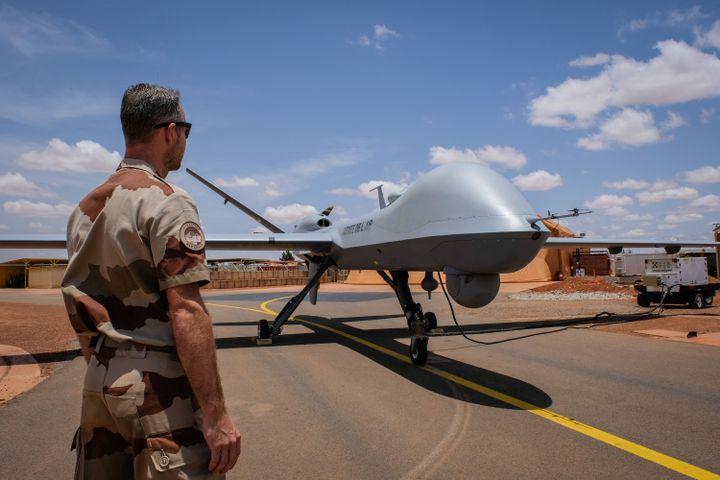 Drone français installé sur la base aérienne de Niamey le 22 août 2018 (AFP - FRED MARIE / HANS LUCAS)