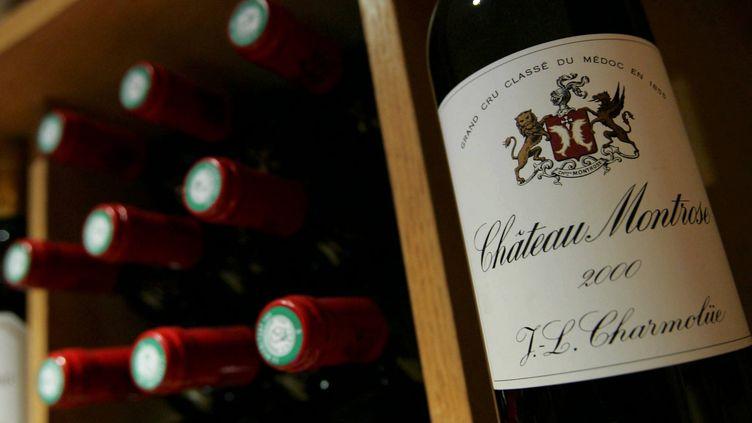 """En France, la mention """"château"""" désigne un vin d'appellation d'origine contrôlée issu à 100% de raisins récoltés et vinifiés sur la propriété. (MAXPPP)"""