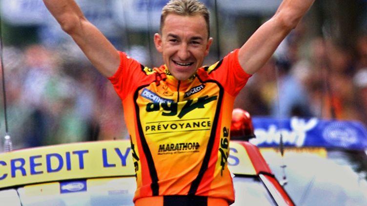 La joie de Christophe Agnolutto à Limoges en 2000 (PASCAL GEORGE / AFP)
