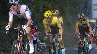 Primoz Roglic de l'équipe Jumbo - Visma lors du Tour de France 2020, à Champagnole (Jura),le 18 septembre 2020. (LAURENT LAIRYS /  AFP)