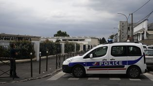 Un véhicule de police lors d'une intervention à Argenteuil (Val-d'Oise), le 21 juillet 2016. (MATTHIEU ALEXANDRE / AFP)