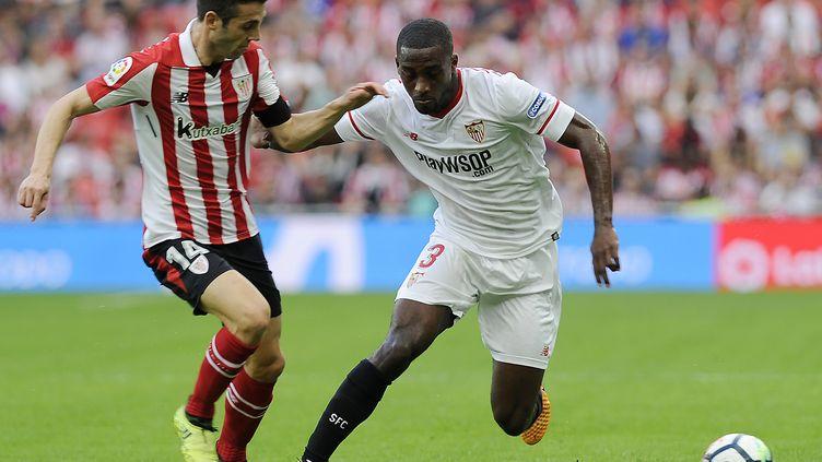 Après sa défaite à Bilbao (1-0), Séville voit sa seconde place de Liga grandement menacée. (ANDER GILLENEA / AFP)