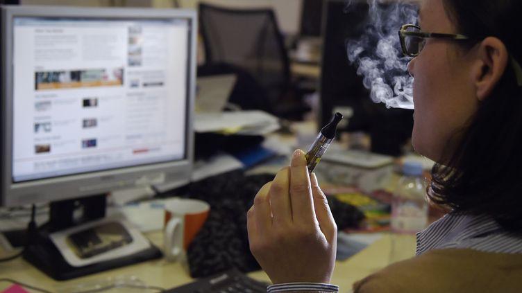 Illsutration, cigarette électornique. (DOMINIQUE FAGET / AFP)