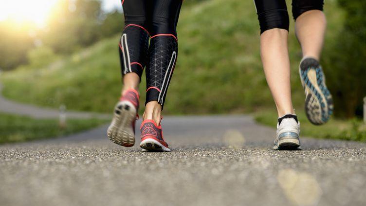 L'OMS recommande qu'un adulte fasse au moins 150 minutes d'activité physique modérée par semaine, ou 75 minutes d'activité vigoureuse. (BUERO MONACO / GETTY IMAGES)