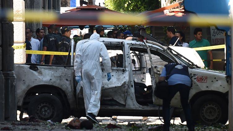 Deux kamikazes se sont fait exploser à Tunis, le 27 juin 2019. (FETHI BELAID / AFP)