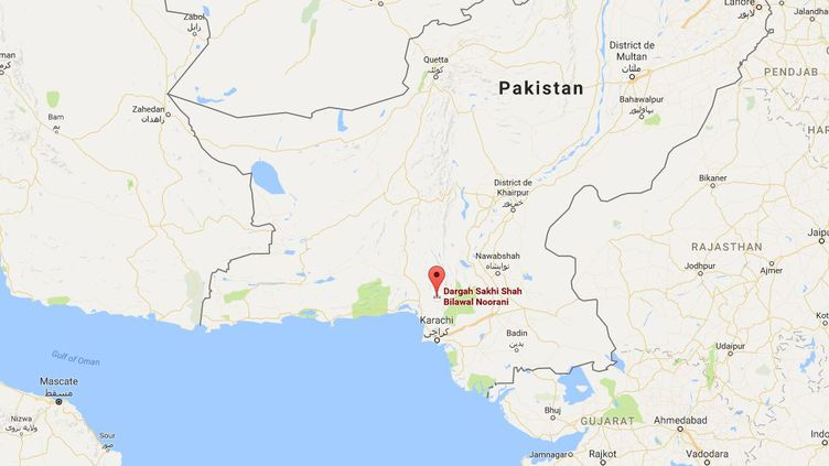 Au moins 25 personnes ont été tuées et plus de 35 blessées samedi dans l'explosion d'une bombe sur un site religieux soufi au Baloutchistan, samedi 12 novembre. (GOOGLE MAPS)