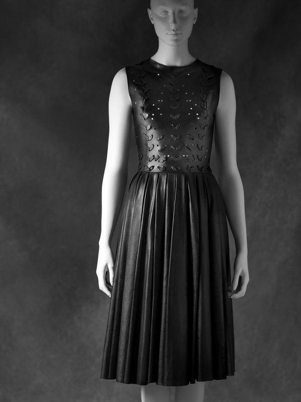 Little Black Dress : Prabal Gurung, robe de cuir automne-hiver 2011  (Courtesy of Prabal Gurung, New York)