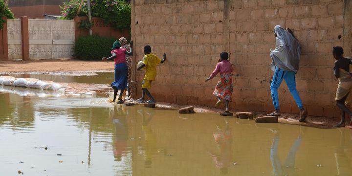 Niamey, au Niger, sous les eaux. (BOUREIMA HAMA / AFP)