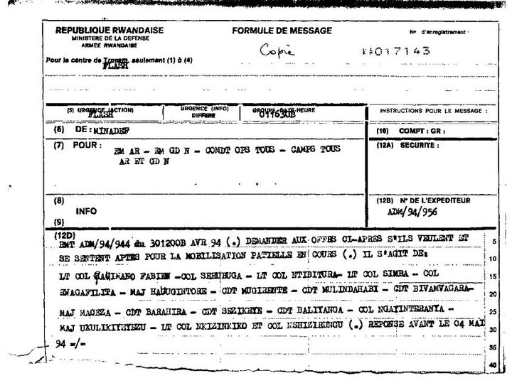 Extrait d'une copie du message envoyé par le ministère de la Défense rwandais, le 30 avril 1994, à plusieurs officiers, dont le colonel Serubuga, en vue de leurremobilisation. (FRANCETV INFO)