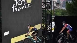 Présentation des équipes du 107e Tour de France, le 27 août 2020 à Nice. (ANNE-CHRISTINE POUJOULAT / AFP)
