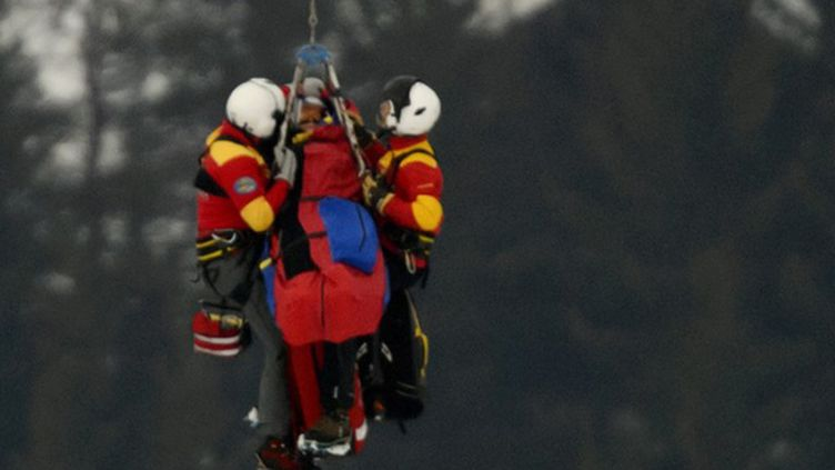 Lindsay Vonn hélitreuillée après sa chute dans le Super-G de Schladming (FABRICE COFFRINI / AFP)