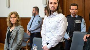Serguei Wenergold assiste à son procès, le 22 novembre 2018, à Dortmund (Allemagne). (BERND THISSEN / DPA / AFP)