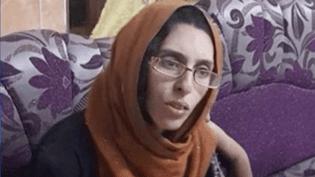 """La Française Mélina Boughedir,condamnée pour être entrée de manière illégale en Irak. (""""ENVOYE SPECIAL"""" / FRANCE 2)"""