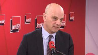 Jean-Michel Blanquer, invité de France Inter le 13 mars 2020. (FRANCE INTER / RADIO FRANCE)
