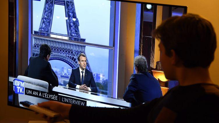 Le président de la République répondait aux questions d'Edwy Plenel (Mediapart) et de Jean-Jacques Bourdin (BFM). (ALEXANDRE MARCHI / MAXPPP)