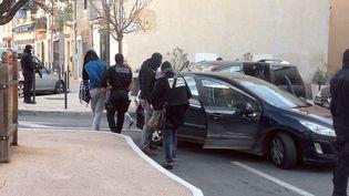 Opération anti-jihadiste à Lunel (Hérault) menée par le Raid le 27 janvier 2015. (CAROLINE ROSSIGNOL / AFP)