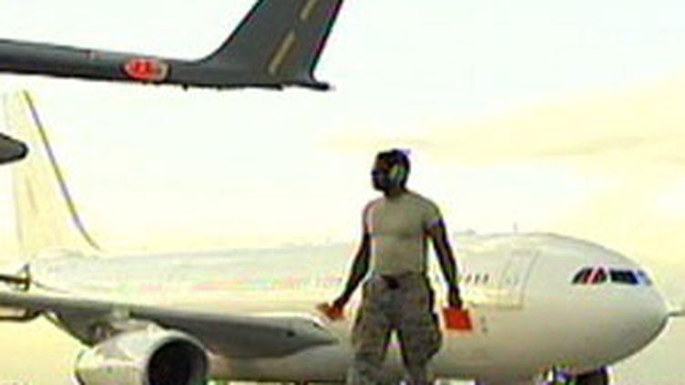 L'aéroport de Port-au-Prince, dimanche 17 janvier 2010 (France 2)