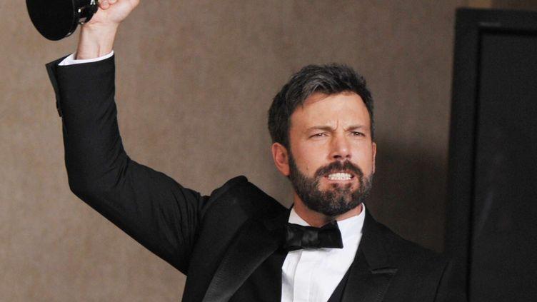 Ben Affleck reçoit l'Oscar du meilleur film à la 85e cérémonie des Oscars, le 24 février 2013 à Los Angeles (Californie, Etats-Unis). (JOHN SHEARER / AP / SIPA )