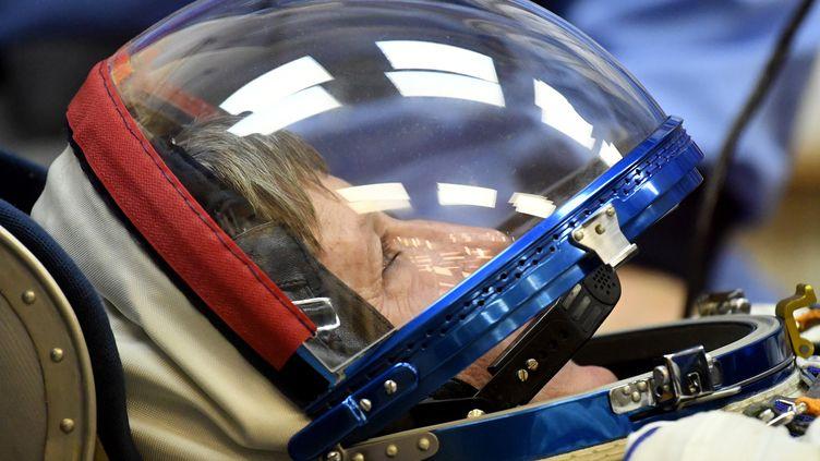 L'astronaute américaine Peggy Whitson lors d'une séance de tests à Baïkonour (Russie), le 17 novembre 2016, avant son départ pour la Station spatiale internationale. (KIRILL KUDRYAVTSEV / AFP)