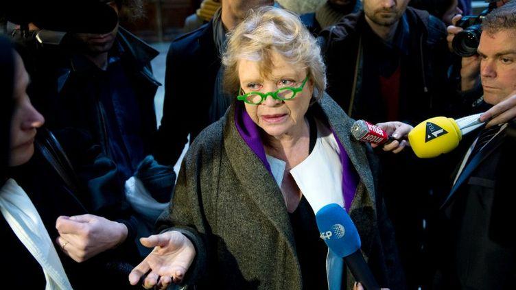 Eva Joly, la candidate écologiste à la présidentielle, à son arrivée au palais de justice de Paris le 16 avril 2012. (BERTRAND LANGLOIS / AFP)