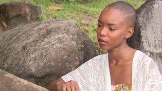 """Une jeune femme, candidate à Miss Guadeloupe, a été disqualifiée du concours pour des photos que le comité régional a jugé """"dénudées"""". Avec ces clichés, Anaëlle Guimbi défendait une cause importante à ses yeux : la lutte contre le cancer du sein. (France 3)"""