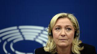 La présidente du FN, Marine Le Pen, au Parlement européen, à Strasbourg, le 10 juin 2015. (FREDERICK FLORIN / AFP)