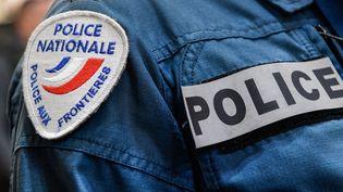 Un insigne de la police française. (BERTRAND GUAY / AFP)