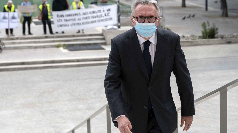 l'ancien président du conseil général des Bouches-du-Rhône, Jean-Noël Guérini, écope de 3 ans de prison