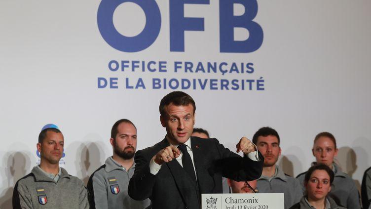 Le président de la République Emmanuel Macron lors d'un discours à Chamonix (Haute-Savoie), le 13 février 2020. (LUDOVIC MARIN / AFP)