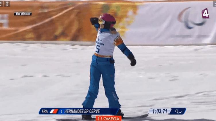 Cécile Hernandez, médaillée d'argent en snowboard cross