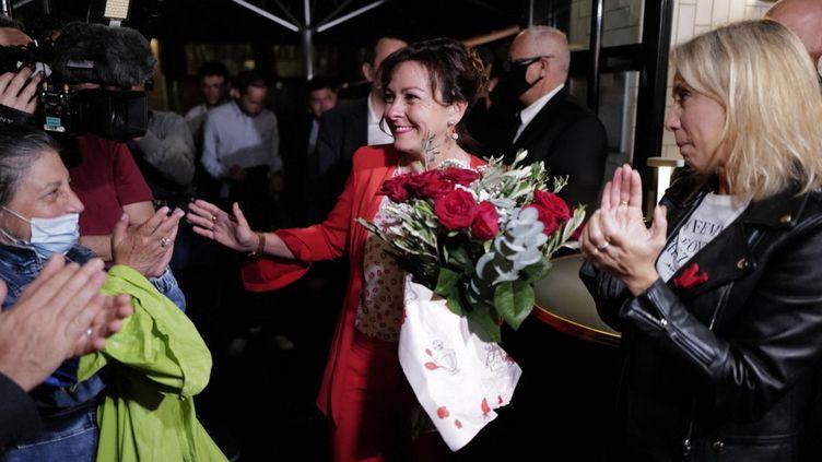 Carole Delga à Toulouse après sa réélection dimanche 27 juin comme présidente de la Région Occitanie. (LIONEL BONAVENTURE / AFP)