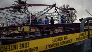 L'accident s'est produit vers 16h30 aux abords d'un manège composé de 14 nacelles accrochées à une structure tournante qui monte et descend. (PHOTO MAXIME JEGAT / MAXPPP)