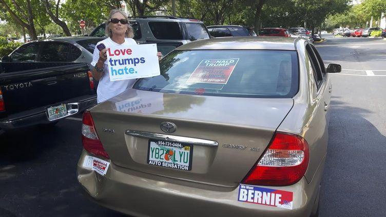 À Fort Lauderdale, en Floride (États-Unis), cette électrice pro-Clinton Victoria vient de participer aux opérations de vote anticipé (RADIO FRANCE / SANDRINE ETOA-ANDEGUE)