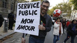 Une pancarte lors d'une manifestation de fonctionnaires à Paris, le 10 Octobre 2010. (MAXPPP)