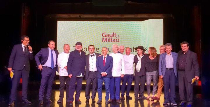 """La soirée du Gault et Millau au Moulin Rouge, avec la nouvelle """"Académie"""" de 10 chefs hors classement. (GAULT ET MILLAU)"""