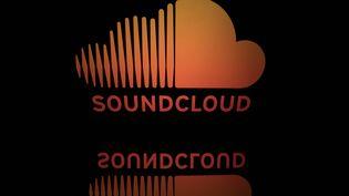 Le logo de la plateforme de streaming musical Soundcloud. (LIONEL BONAVENTURE / AFP)
