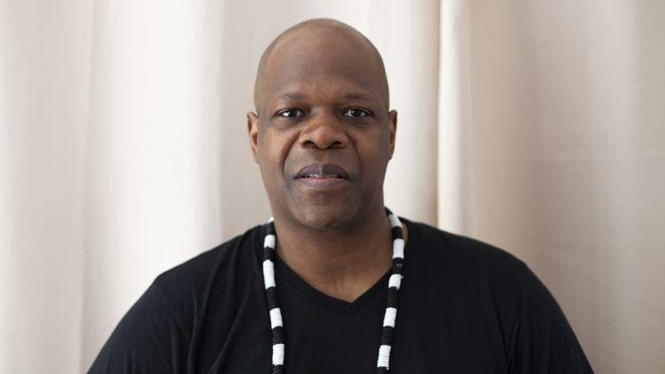 Le journaliste et producteur audiovisuel Amobé Mévégué disparu le 8 septembre 2021. (PHOTO FACEBOOK AMOBE MEVEGUE)