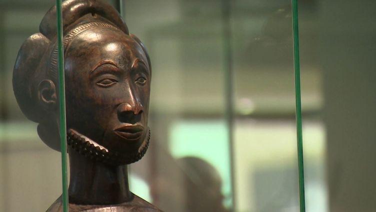 Statue africaine  (Capture d'écran - Avenue de l'Europe)