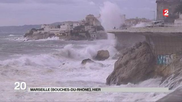 Marseille : une famille emportée par une vague