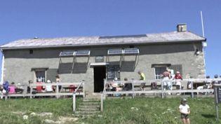 Haute-Savoie : le refuge du Parmelan peut accueillir ses visiteurs sans exiger un pass sanitaire. (FRANCEINFO)