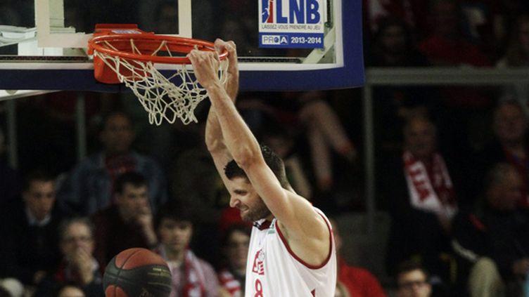 Le dunk rageur d'Antoine Diot, qui jouera les demi-finales de Pro A (JEAN MARC LOOS / MAXPPP)