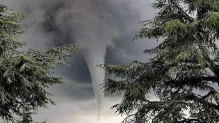 Orages en Ardèche : l'étonnant phénomène des tubas (France 2)