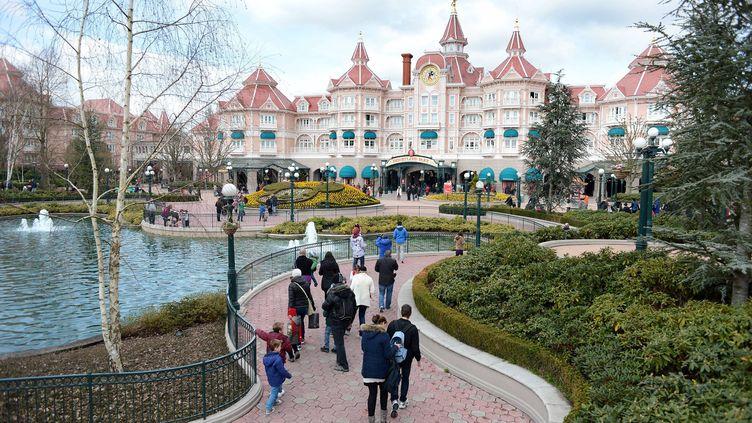 L'entrée de Disneyland Paris (photo d'illustration). (MARC OLLIVIER / MAXPPP)