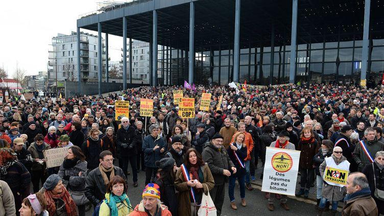 (Manifestation des opposants à l'aéroport NDDL devant le palais de justice de Nantes le 13 janvier dernier © maxPPP)
