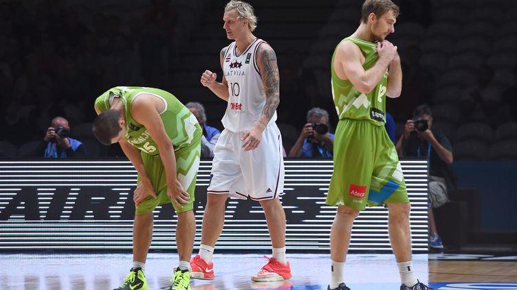La satisfaction de l'ailier letton Janis Timma lors de la victoire contre la Slovénie à l'Euro 2015. (EMMANUEL DUNAND / AFP)
