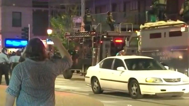 Emeute à Saint-Louis après une manifestation anti-raciste. (FRANCE 3)