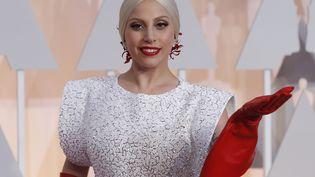 La chanteuse américaine Lady Gaga, le 22 février 2015, lors de la 87e cérémonie des Oscars, à Los Angeles (Etats-Unis). (MARIO ANZUONI / REUTERS)
