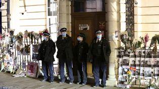 L'ambassade de Birmanie à Londres (Royaume-Uni), le 8 avril 2021. (HASAN ESEN / ANADOLU AGENCY / AFP)