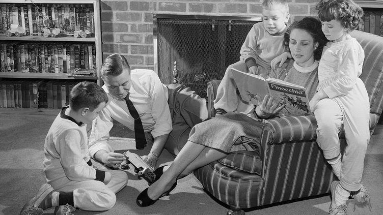 Aux Etats-Unis, des parents peuvent assister à des conférences sur l'éducation des enfants sur leur lieu de travail. (GETTY IMAGES )