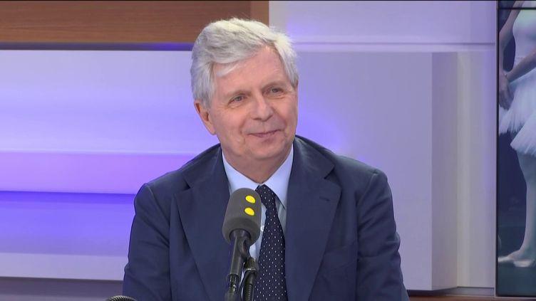 Stéphane Lissner, directeur général de l'Opéra de Paris, invité de l'interview éco sur franceinfo. (FRANCEINFO / RADIOFRANCE)